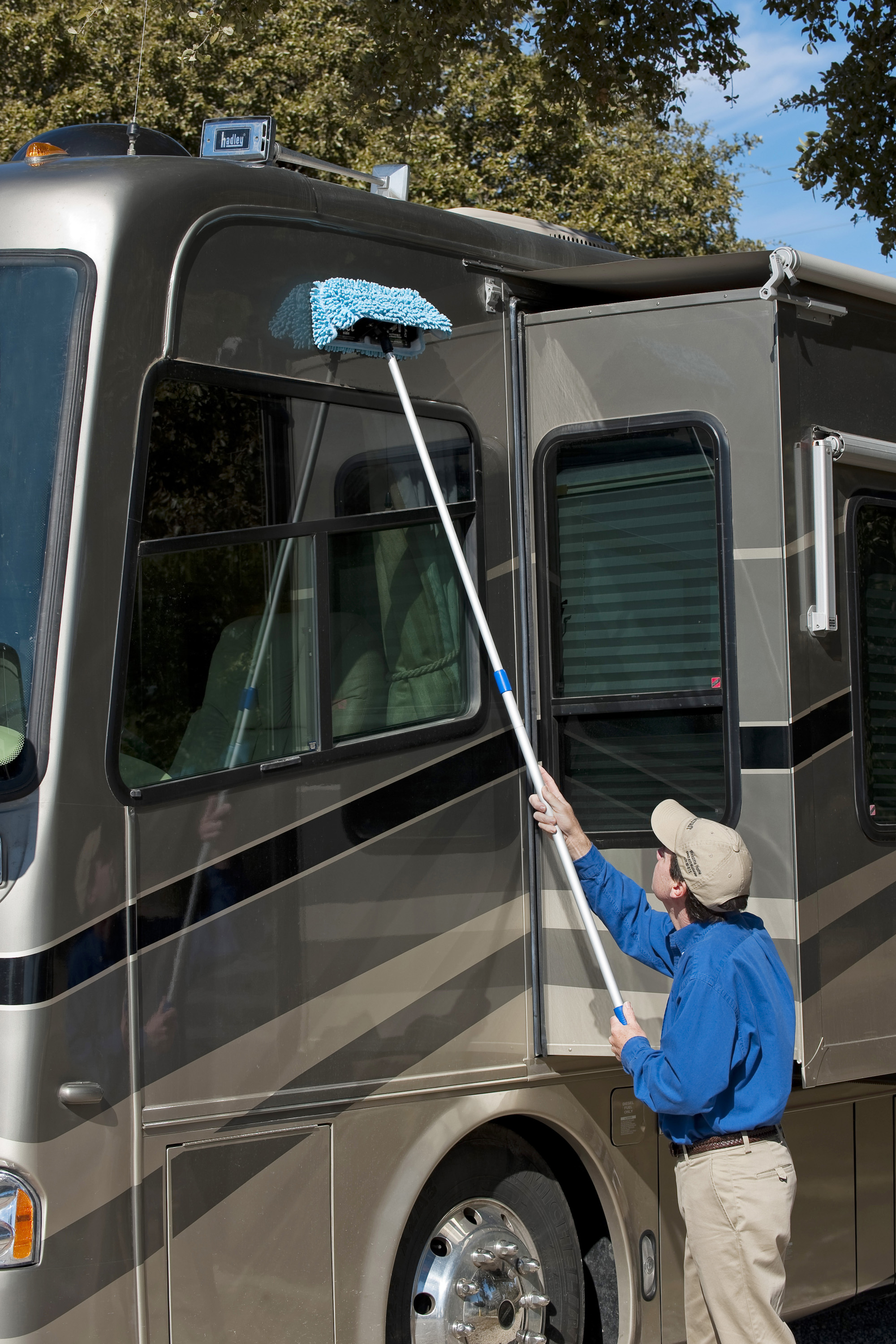 RV & Camp Trailer Cleaning